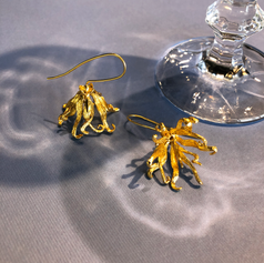 Botanical earring with gold plated