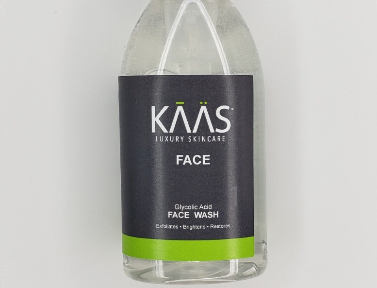 Glycolic Acid Face Wash Infused With Tea Tree