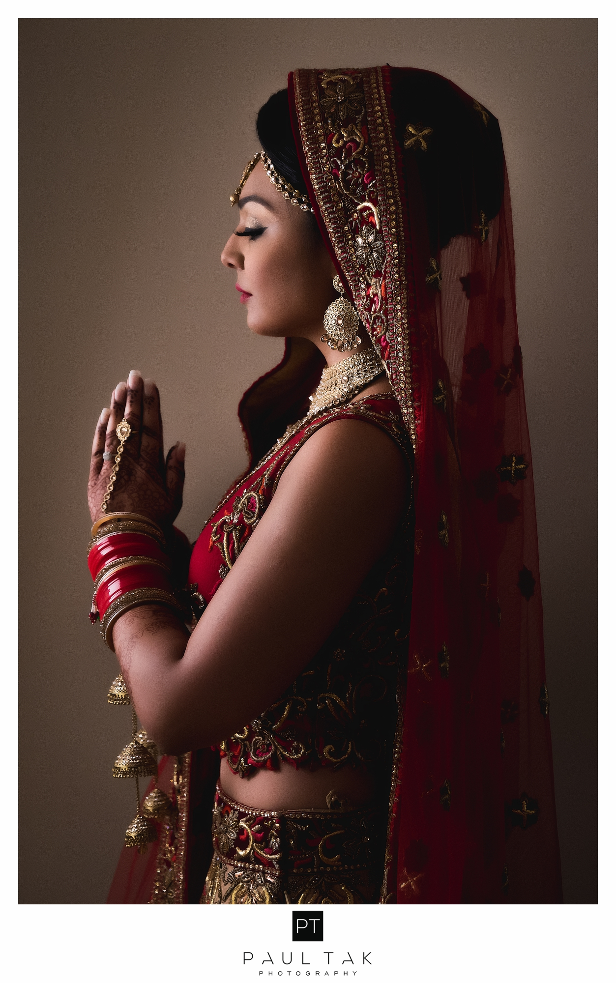 indian bride pose