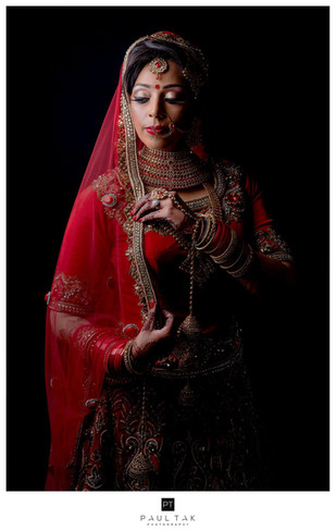 sikh bride in red asian wedding photogra