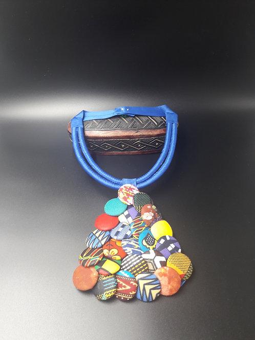 Collier  ras de cou a bouton multicolores en wax