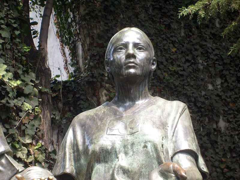 """La Malinche, detail from the """"Monumento al Mestizaje"""" by Julián Martínez y M. Maldonado (1982)"""