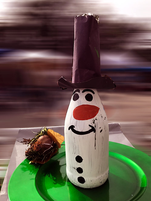 SNOW MAN BOTTLE distressed