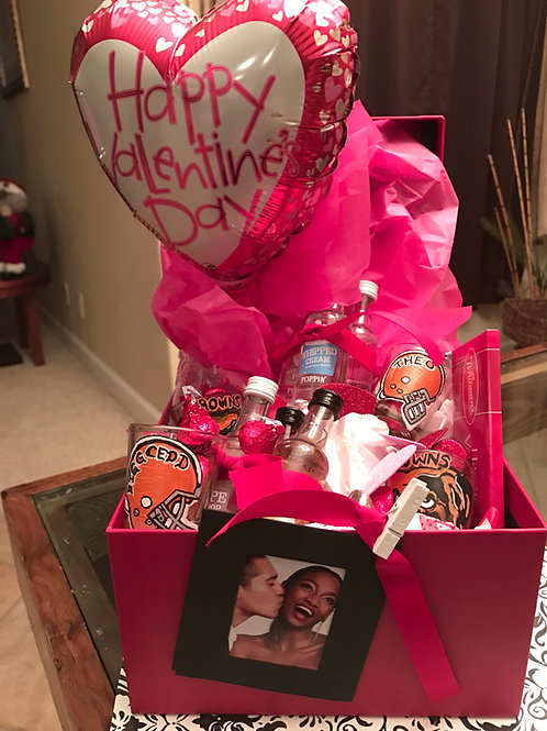 PERSONALIZED GIFT BOX FOR HIM