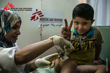 Gaza patients and staff in post-op, copy