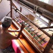 イカット織の職人