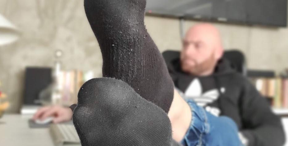 Black ankle sweaty socks