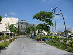 לניאדו Main Entrance