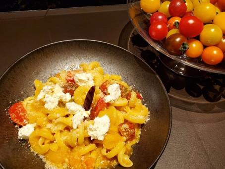 シェフのレシピを公開!                 カラフルミニトマトのショートパスタ