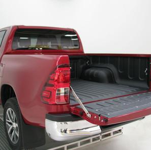 Toyota Hilux protegido con ACE.