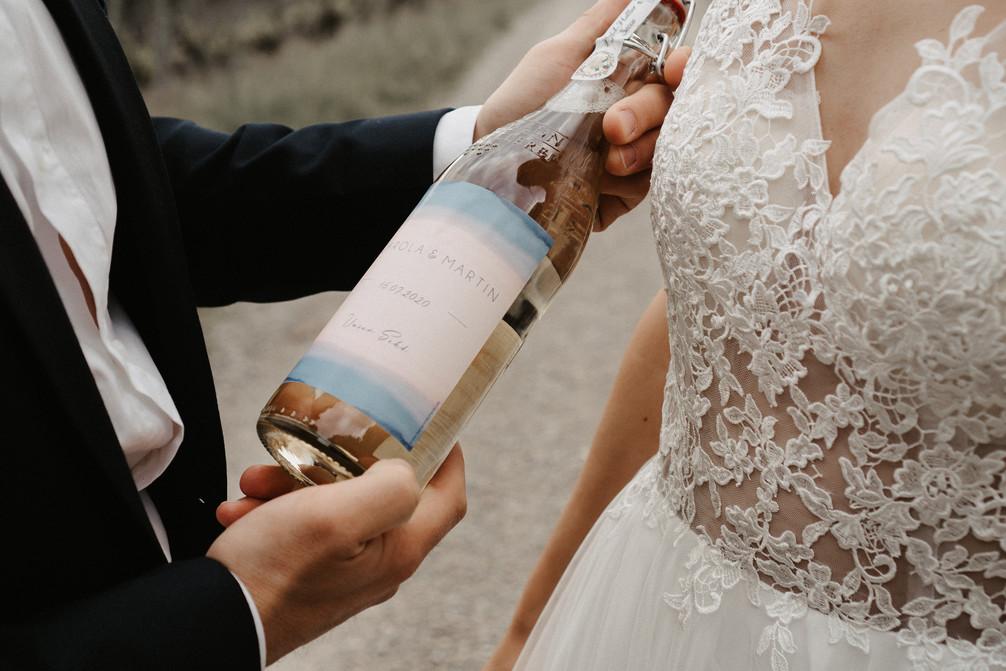 Hochzeits Sekt mit Etikett von der Kartenmacherei