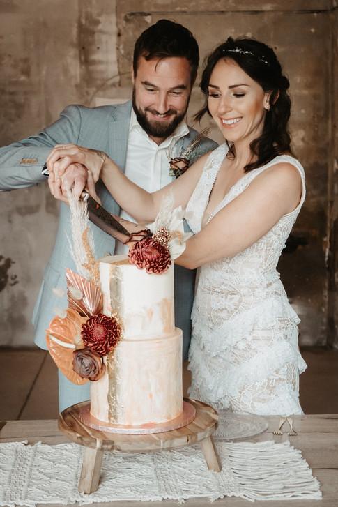 Hochzeitstorten-Anschnitt