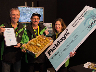 Artificial pollinator that could boost kiwifruit orchard returns wins Fieldays Innovation award