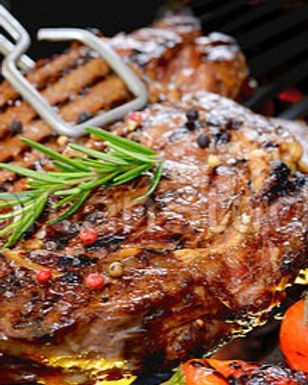 grilled-beef-steak-with-vegetable-on-the