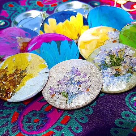 dried flowers hand pressed