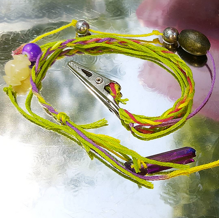 hippie clip with beads