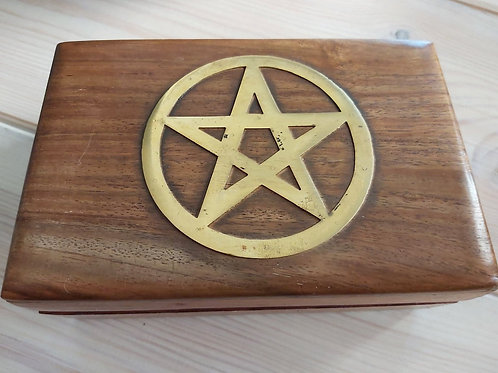 Boîte en bois pentacle
