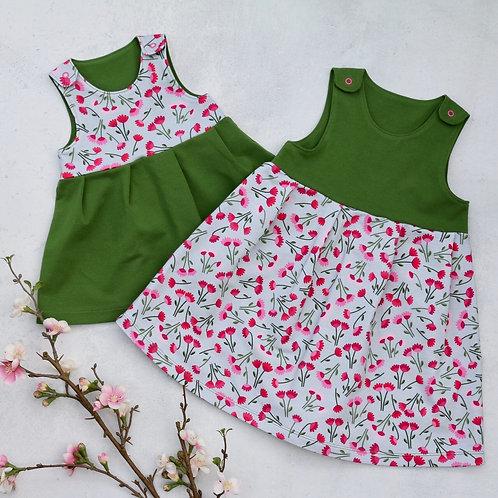Trägerkleid grün mit Blümchen