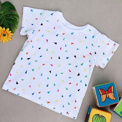 T-Shirt weiß mit bunten Dreiecken