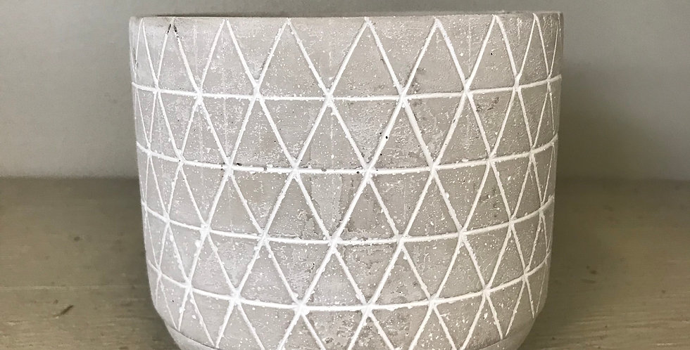GEOMETRIC GREY CEMENT POT