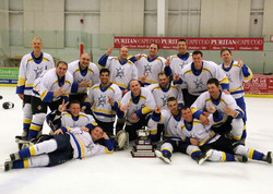 4394_Skipjacks Champs with Cup Sat