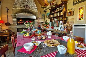 Salle_de_Fête_Petit_déjeuner_au_Village_