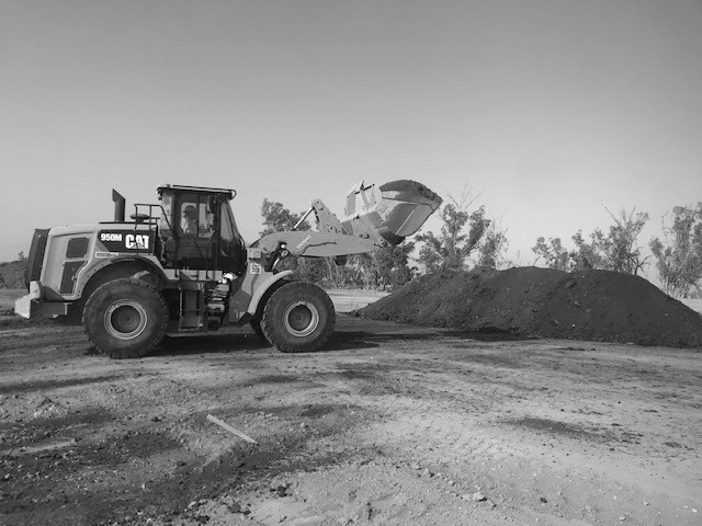 Building the First Windrow 1A at Number 2 Organics Farm.jpg