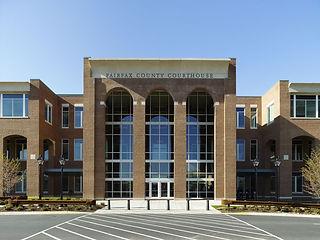 fairfax-county-courthouse-public-entranc