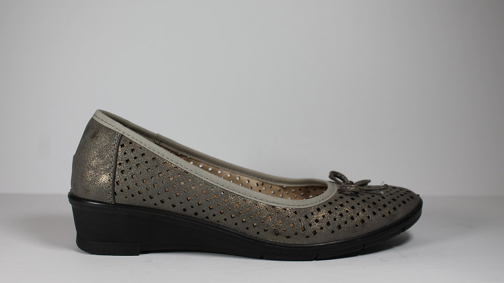 Stefania Italy Lightweight Perforated Flat