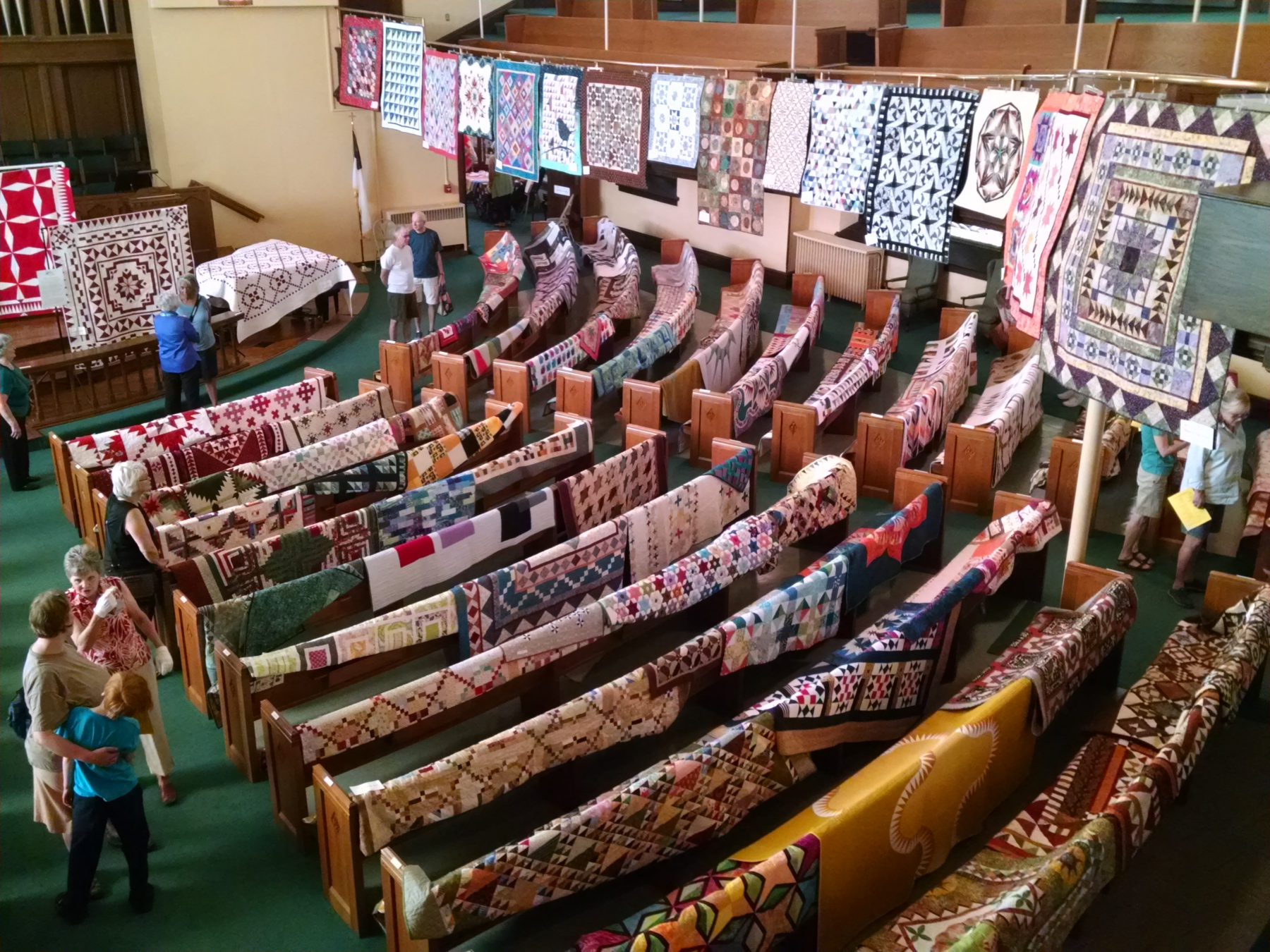 2017 Quilt Fest_Sanctuary from balcony-w