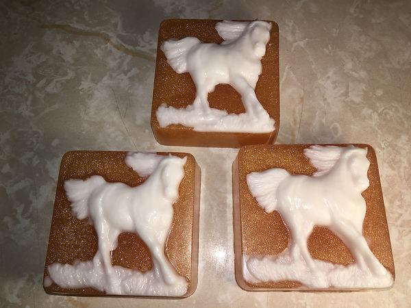 Whitehorses.JPG