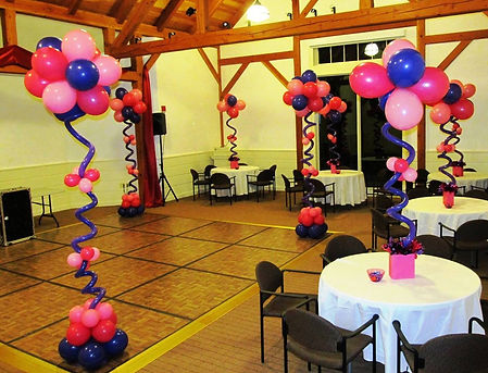 Twist and Shout Balloon Centerpiece Designs
