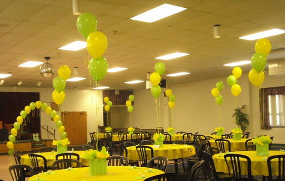 String of Pearl Balloon Arch and Basic Centerpieces with Gift Bags and Tissue Tufts