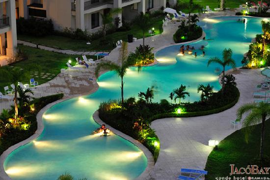 ramada-jaco-bay-pool