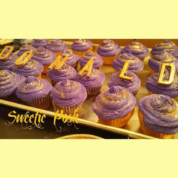 Customized cupcakes with gold painted le