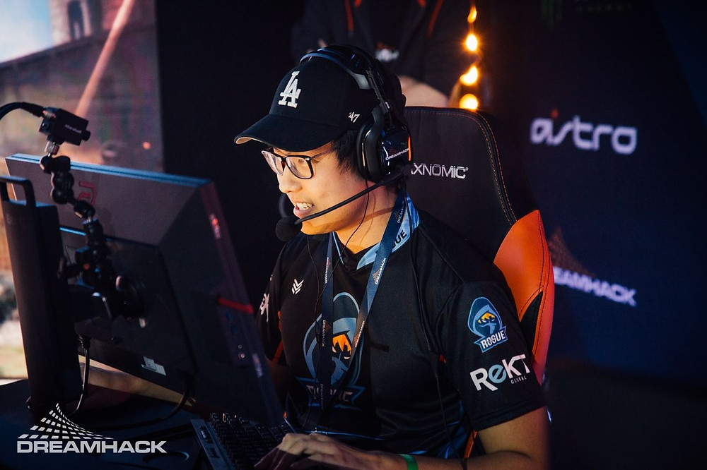 "Daniel ""vice"" Kim playing with Rogue at DreamHack Atlanta 2018 (Photo Credit to DreamHack)"