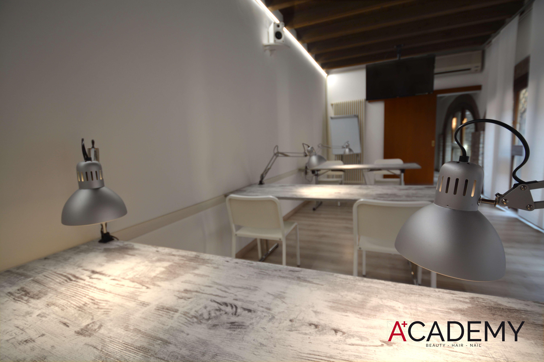Academy 4+logo
