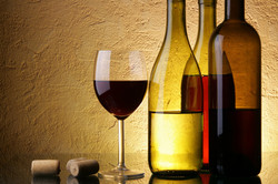 249847__spirits-wine-wine-glasses-beverage-close-up-photos-misc-hd-wallpapers_p