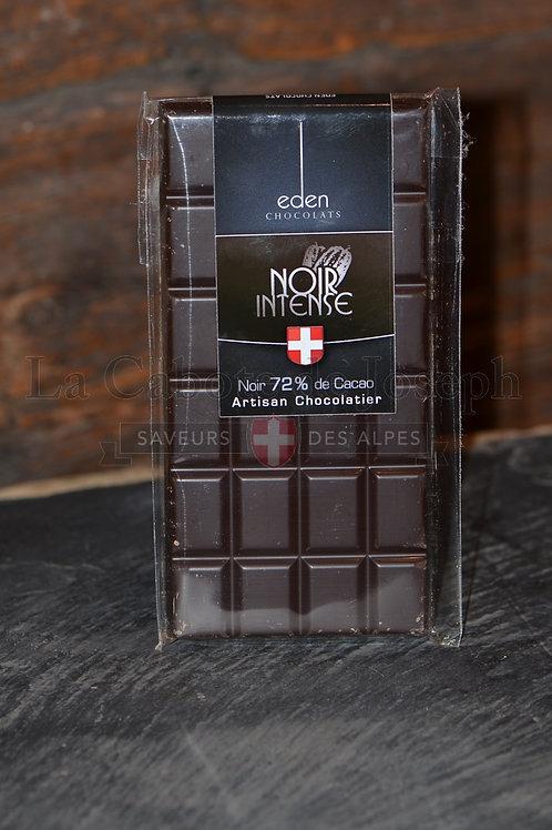Tablette de chocolat noir intense