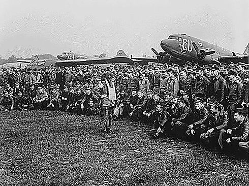 101st-airborne-division-anthony-mcauliff
