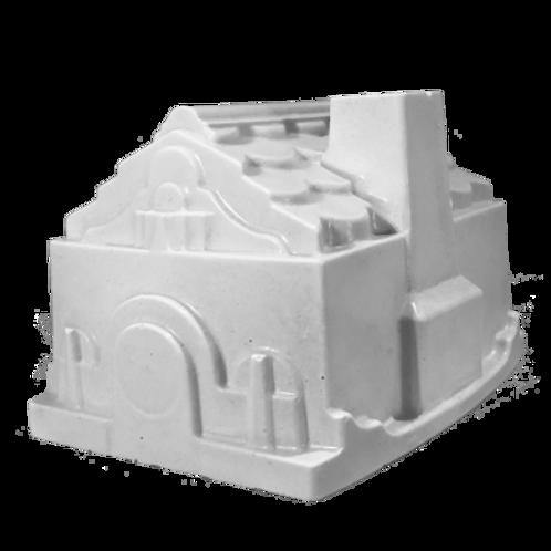 Little House Statue 1