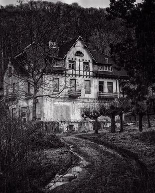 house-3126362_1920.jpg