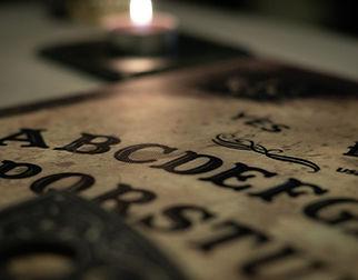 ouija-board-4553829_1920.jpg
