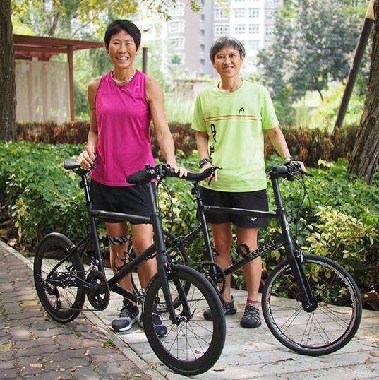 RIDER FEATURE_ Della and Sandra with the