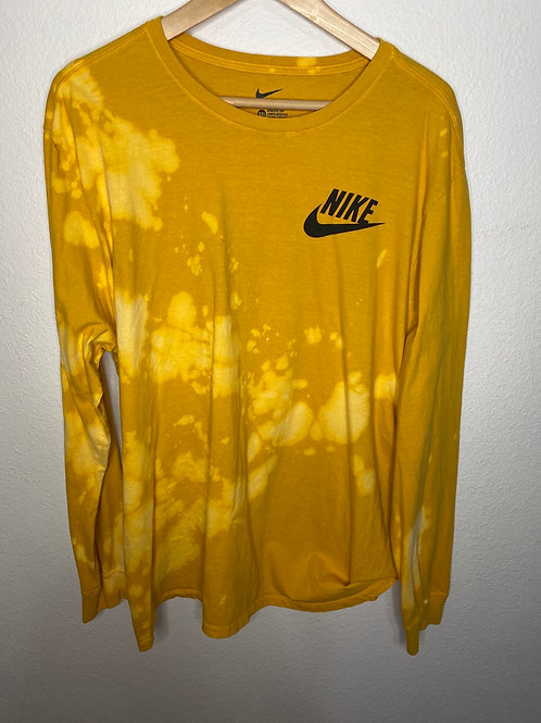The NIKE tee- Athletic L/S- XXL