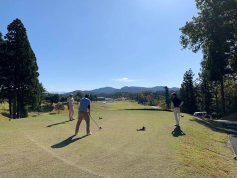 ゴルフ部、始めました!