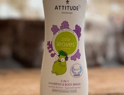 Shampoo + bodywash 2 in 1 voor kinderen vanille/peer Attitude (273 ml)