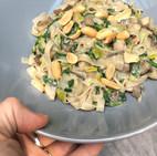 Miso-pinda-champignons met noodles (glutenvrij/vegan)