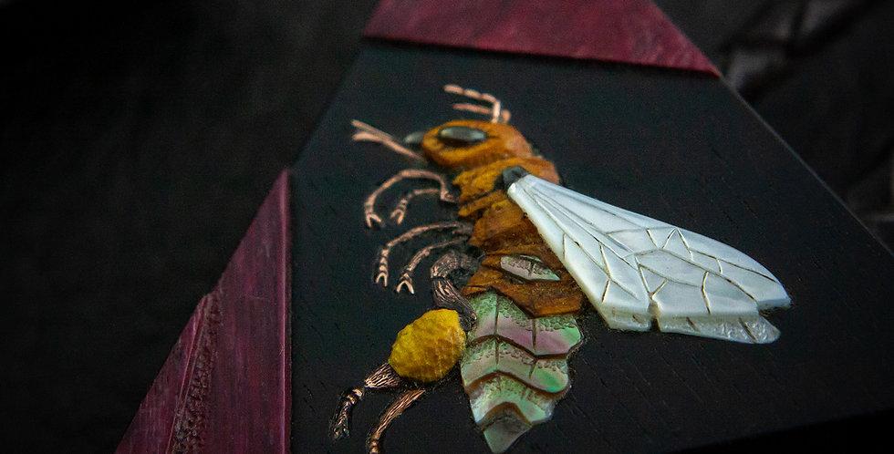 Авторское мужское украшение на шею с пчелкой /Jewelry Bee bolo-tie for man