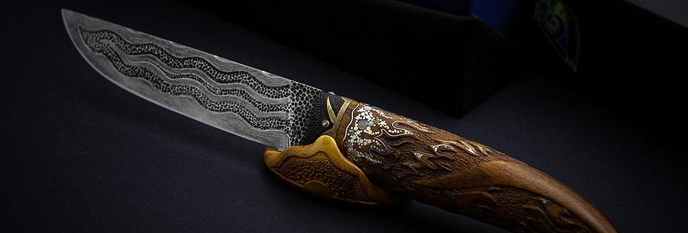 Художественный нож с инкрустацией и резьбой / Art carved inlaid knife